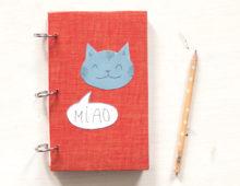 Ein Notizbuch voller Katzen