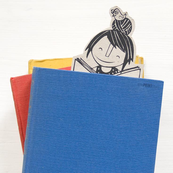 buch-lesen-illustration-papeterie-handmade-bookmark-reading-paperwork-stationary-illustration-design-Lesemädchen