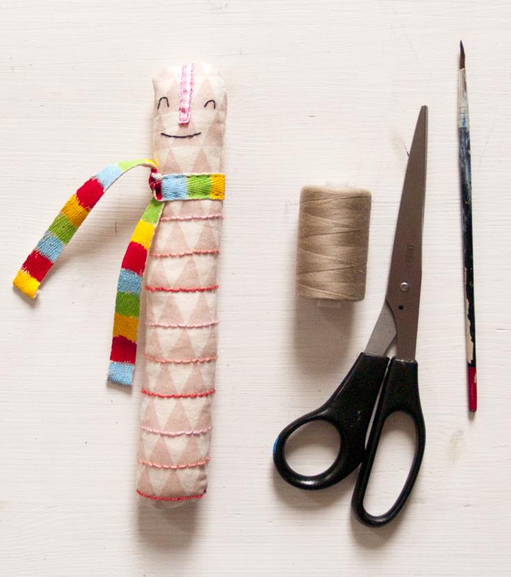 plush-greifling-regenwurm-kinderspielzeug-baby-spiel-tier-handmade